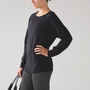 Rising salutation lululemon sweater size 8 black